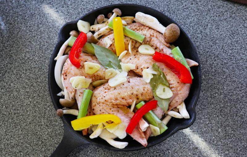 薪ストーブレシピ 鶏の手羽焼き 盛り付け