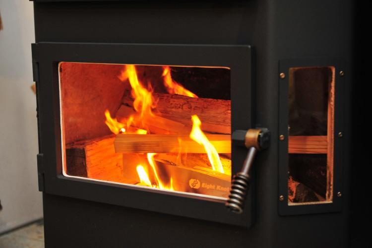 薪ストーブ 焚き付け 着火4
