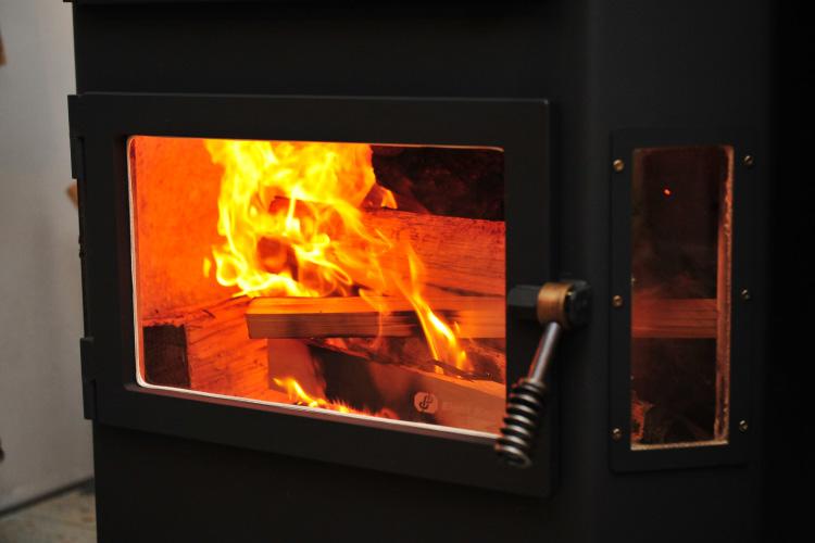 薪ストーブ 焚き付け 着火5